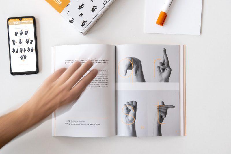 Helping Hands DHBW Mediendesign 06