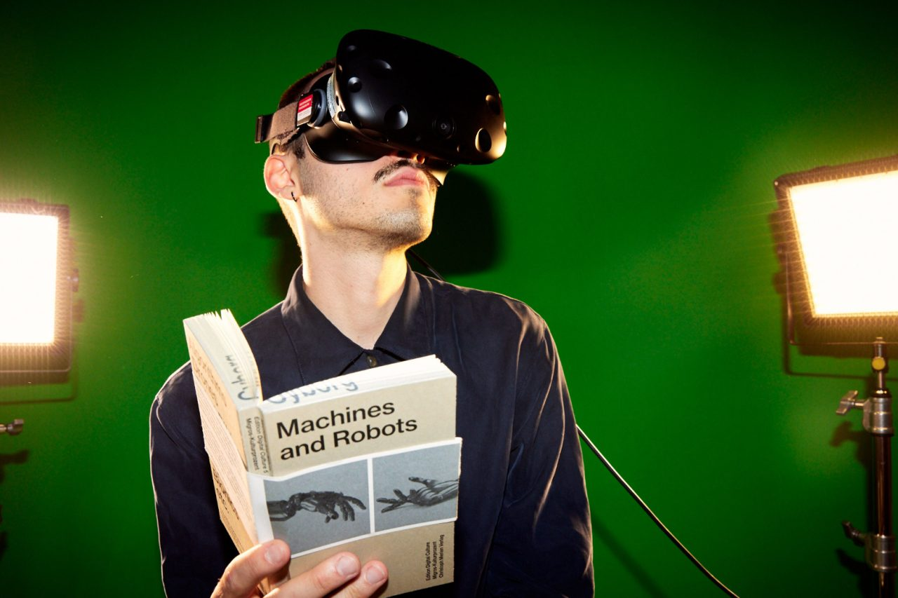 VR Machines and Robots